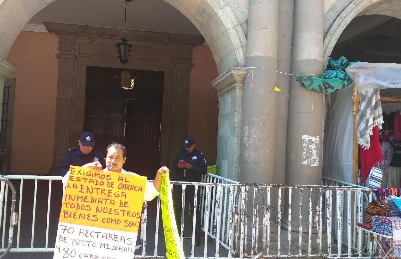 Exigen desplazados de la Cuenca intervención del gobernador ante omisión de autoridades