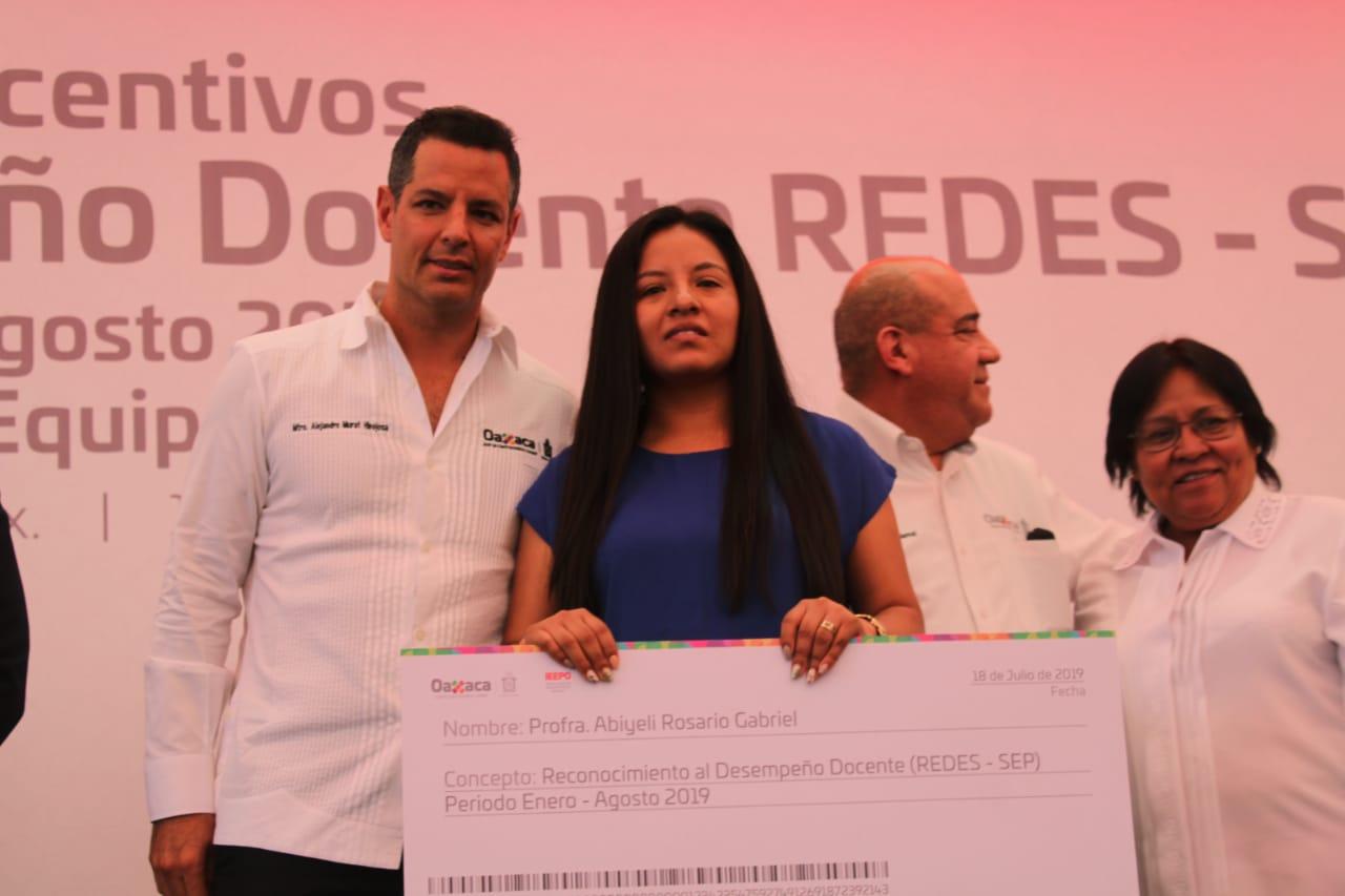 Gobierno de Oaxaca trabaja para empoderar la labor docente en beneficio de la niñez oaxaqueña: Alejandro Murat