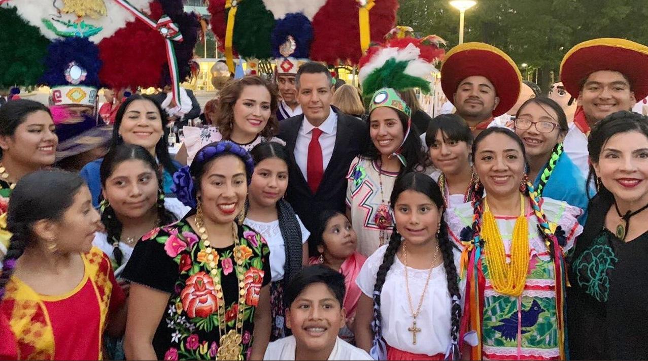 Más Oaxaca en el mundo y más mundo en Oaxaca: Alfredo Martínez de Aguilar
